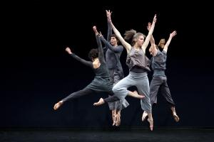 "Doug Varone and Dancers in ""Caruggi."" photo: (c) Cylla von Tiedemann"